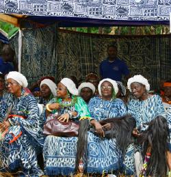 Reines mères, mfen. Chefferie Batoufam, 2018. Cameroun © Daniela Ulieriu.